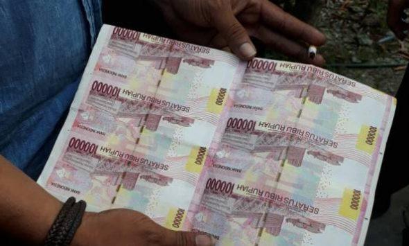 Kawal Eksekusi Rumah, Polisi malah Temukan Uang Palsu