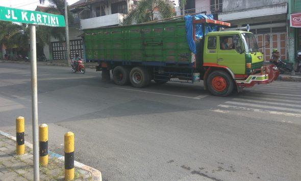 Larangan Angkutan Berat Lintasi Kota Kerap Dilanggar