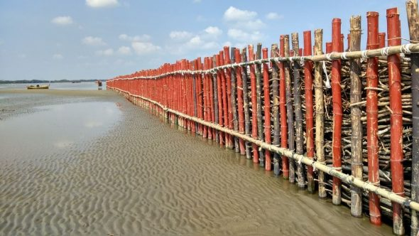 Pantai Pasarbanggi Dipasangi Teknologi Anti-Abrasi