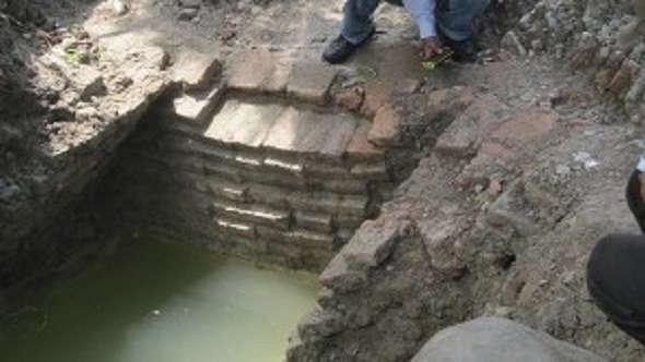 Temuan Kuno Bernilai Sejarah di Bonang Diabaikan