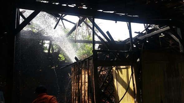Rumah Warga Seren Hangus, Tetap Waspada Kebakaran di Musim Hujan