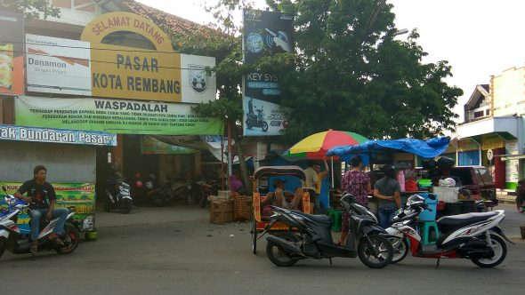 Papan Informasi Harga di Pasar Rembang Dicopot