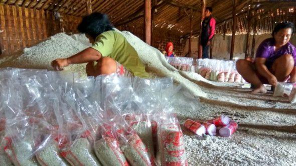 Timbunan Garam Krosok Petani Tak Banyak Terserap