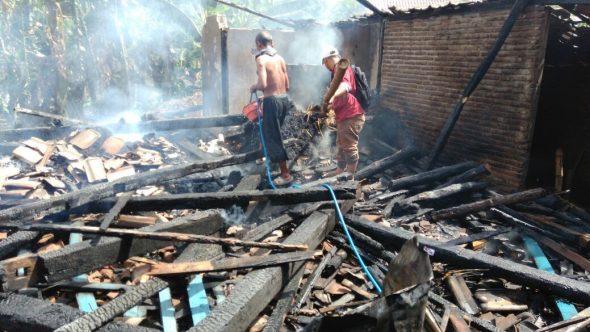 Ditinggal Panen Cabai, Rumah Petani Nglojo Terbakar