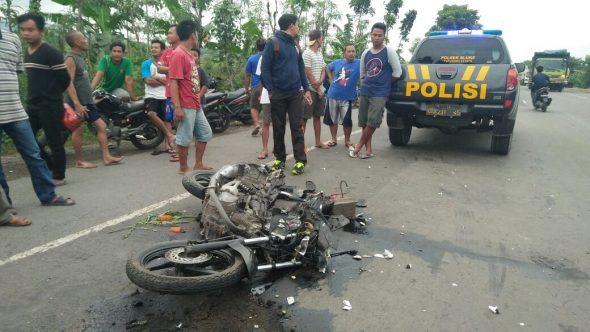 Dipicu Truk Parkir, Pesepeda Motor Kecelakaan hingga Tewas