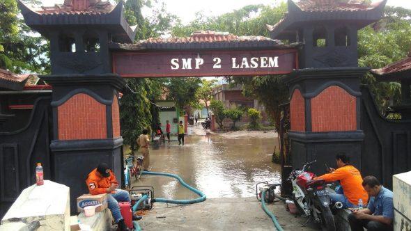 Hari Pertama Masuk Sekolah, SMPN 2 Lasem Kebanjiran