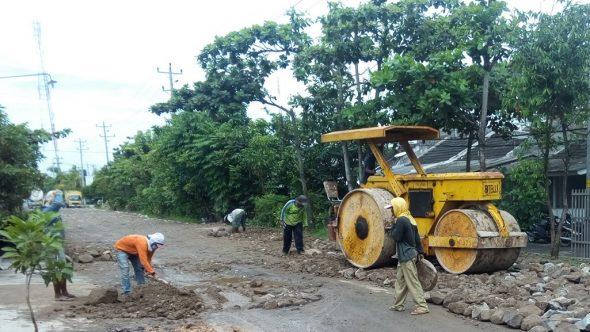 Setelah Diprotes, Lubang di Jalan Galonan-Tireman Diuruk