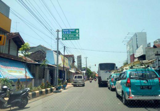 Warga Keluhkan Rambu yang Mengganggu di Ruas Jalan Kartini