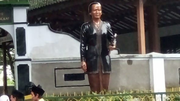 Warga Khawatir Pengecatan Patung Kartini Jadi Cibiran