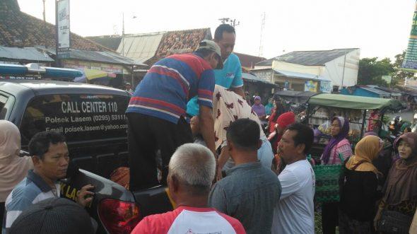 Pria Tua Mendadak Jatuh dan Meninggal di Pasar Lasem