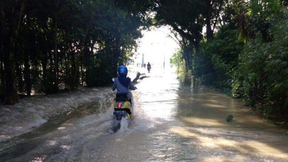 Kaliori-Sumber Diterjang Banjir dan Puting Beliung