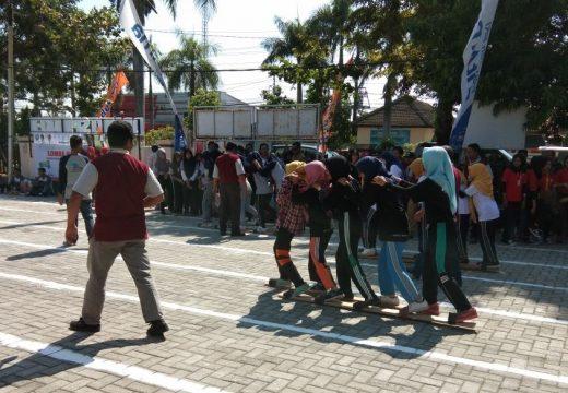Sambut Hari Buruh, Ratusan Karyawan di Rembang Gelar Aksi