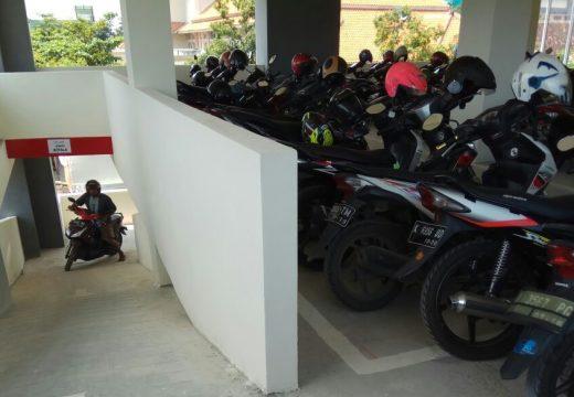 Lelang Pengelolaan Parkir RSUD Sepi Peminat