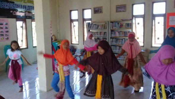 Perpustakaan Desa Dasun Jadi Pusat Berlatih Warga