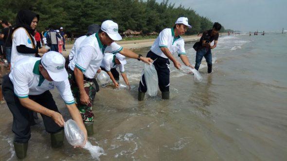 Hari Nelayan di Rembang Dimeriahkan Tabur Sejuta Windu