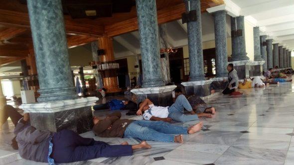 Masjid Agung Rembang Jadi Tempat Istirahat Favorit Selama Ramadan