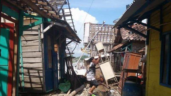 Delapan Rumah Warga Karangmangu Rusak Diterjang Ombak