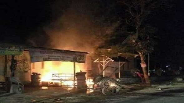 Api Sambar Bensin saat Menambal Ban, Kios Ludes