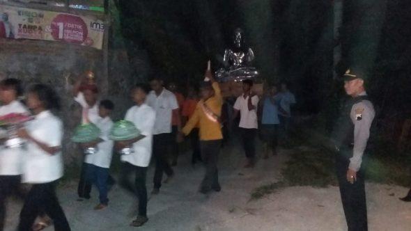 Puluhan Orang Rayakan Waisak di Vihara Sendangcoyo