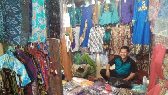 Omzet Penjualan Pakaian Meningkat Dua Kali Lipat selama Ramadan