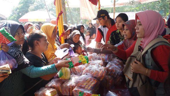 400 Keluarga Miskin Dibantu Telur dan Daging Gratis