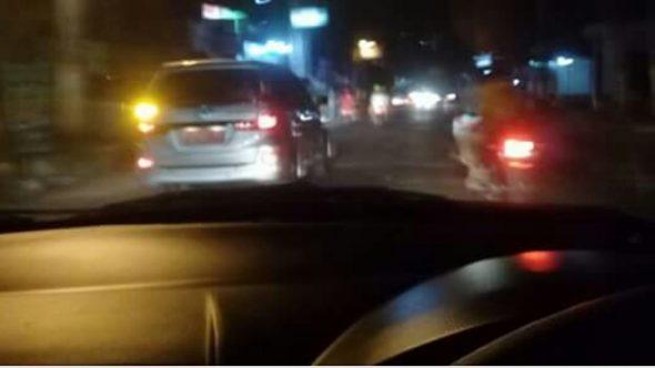 Warganet Pertanyakan Mobil Dinas Keluar Kandang pada Malam Lebaran