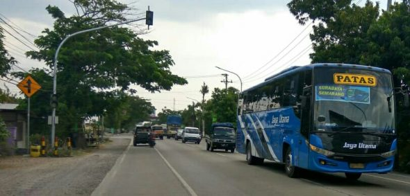 Pemudik Lokal Banjiri Jalanan di Rembang
