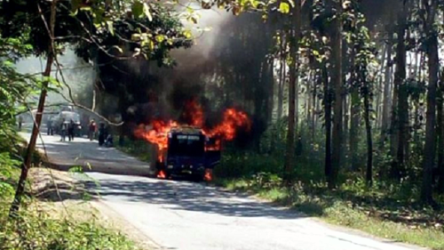 Diduga Korsleting, Bus Pengangkut Pemain Ketoprak Terbakar