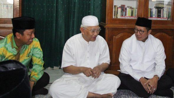 Menteri Agama dan Ketum PPP Halalbihalal kepada Gus Mus
