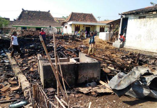 Empat Rumah di Kasreman Dilalap Si Jago Merah
