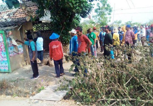 Warung Remang-remang di Pasarbanggi Akhirnya Dibongkar