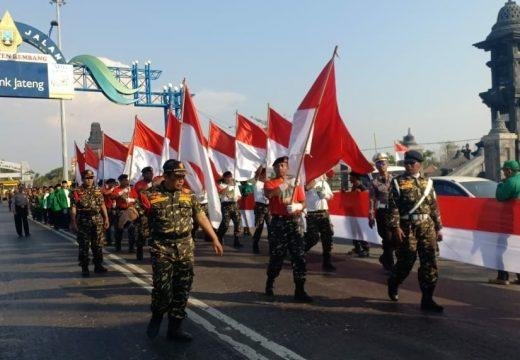 Kirab Satu Negeri Disambut 1.000 Meter Merah Putih di Rembang
