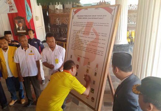 Ratusan Warga Rembang Deklarasi Pemilu 2019 Damai