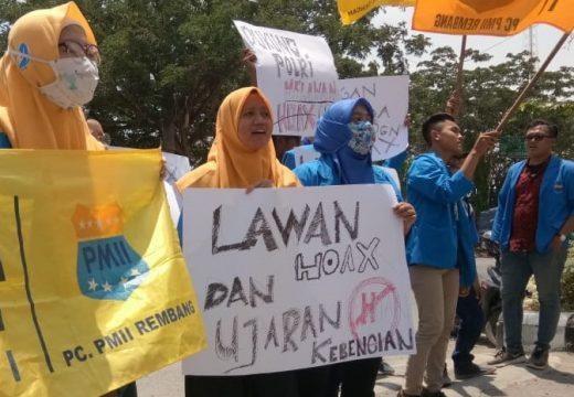 Belasan Mahasiswa di Rembang Unjuk Rasa di Mapolres Rembang