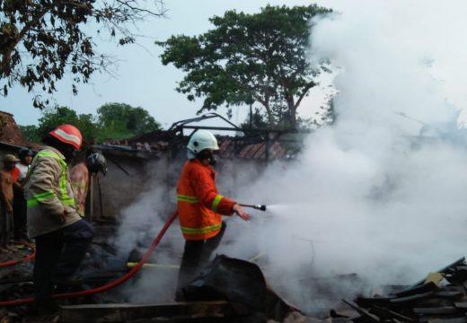 Rumah Milik Seorang Janda di Rembang Habis Dilalap Api