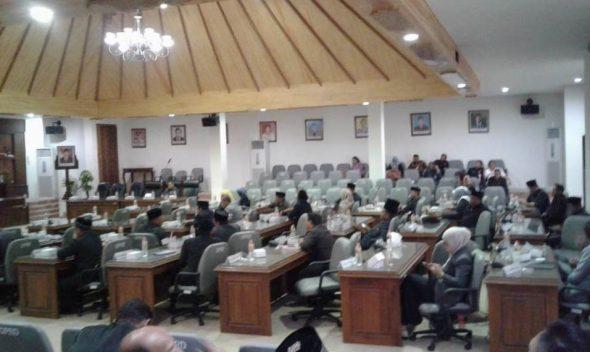 14 Legislator Absen Saat Rapat Paripurna