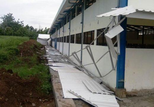 Konstruksi Tak Memadai, Atap Pasar Wonokerto Ambrol