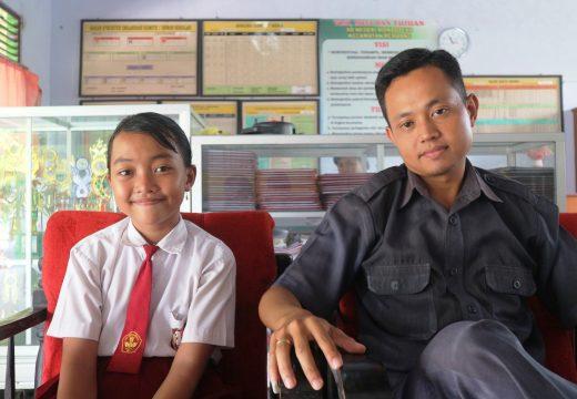 Amin Prop Guru SD Pinggiran Prestasi Nasional