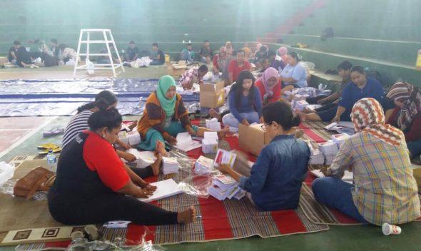 KPU Rembang Temukan 900 Surat Suara Rusak