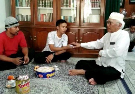 Gus Mus Beri Uang Saku Pengedit Video Hoax