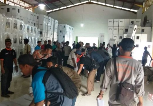 Pengepakan Surat Suara, KPU Rembang Targetkan Lima Hari