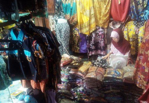 Gamis Syar'i Masih Paling Laku di Pasaran