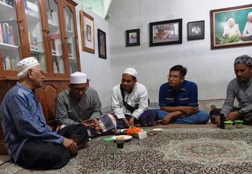 Ustaz Umar Hamdan Sowan Gus Mus untuk Minta Maaf