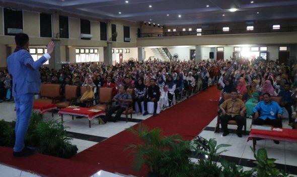 Ribuan Pemuda di Rembang Diajari Jadi Pengusaha