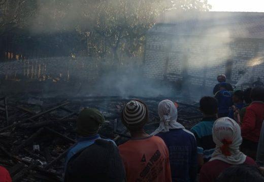 Lupa Matikan Kompor, Rumah Penjual Gorengan Ludes Terbakar