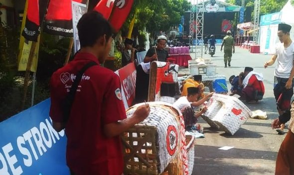 "Puluhan Santri Ramaikan ""Rembang Kreatifest"""