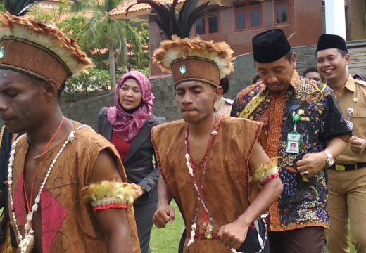 Puluhan Warga Papua di Rembang Deklarasi Damai