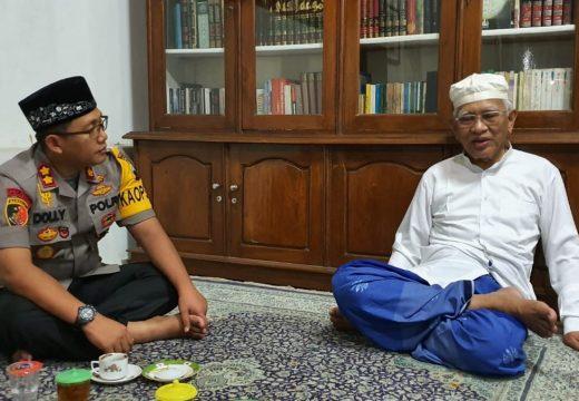 Kapolres Dolly Sowan Gus Mus, Bahas Kekayaan Indonesia