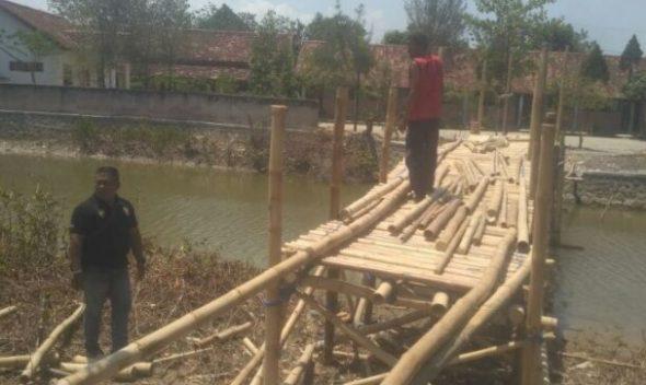 Jembatan Darurat SD N 1 Kalipang Butuh Perhatian Pemkab