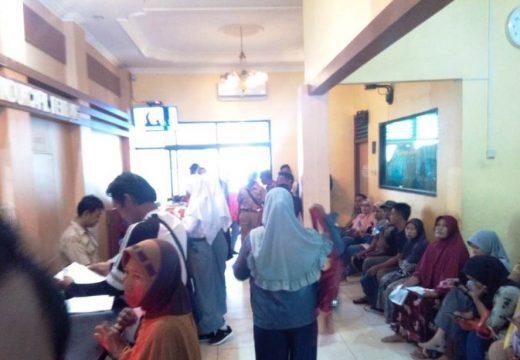 Empat Ribu Blanko KTP-el Diserbu Warga Rembang
